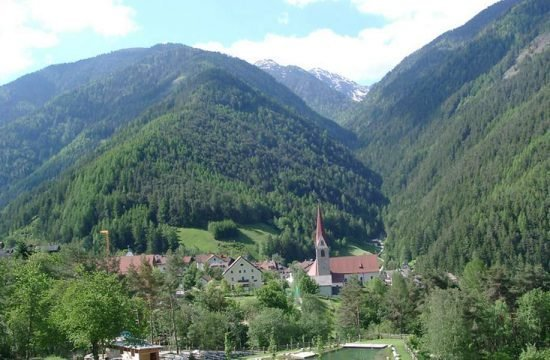 grosskarneiderhof-luesen-suedtirol (3)